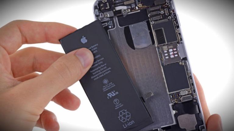 Можно ли самому поменять аккумуляторную батарею в iphone?